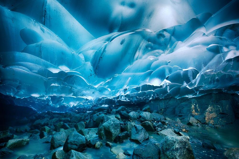 alaska_ice_cave