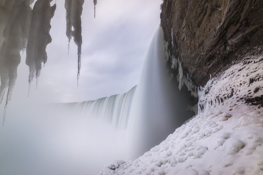 journey_behind_the_falls