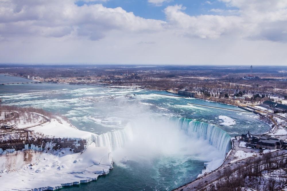 niagara_falls_winter