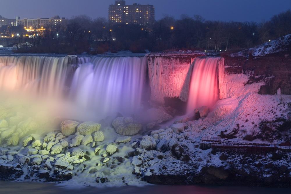 niagara_falls_winter_illumination
