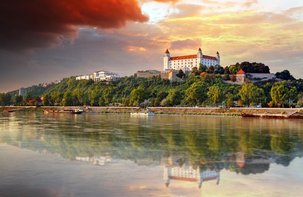sunset_bratislava_slovakia