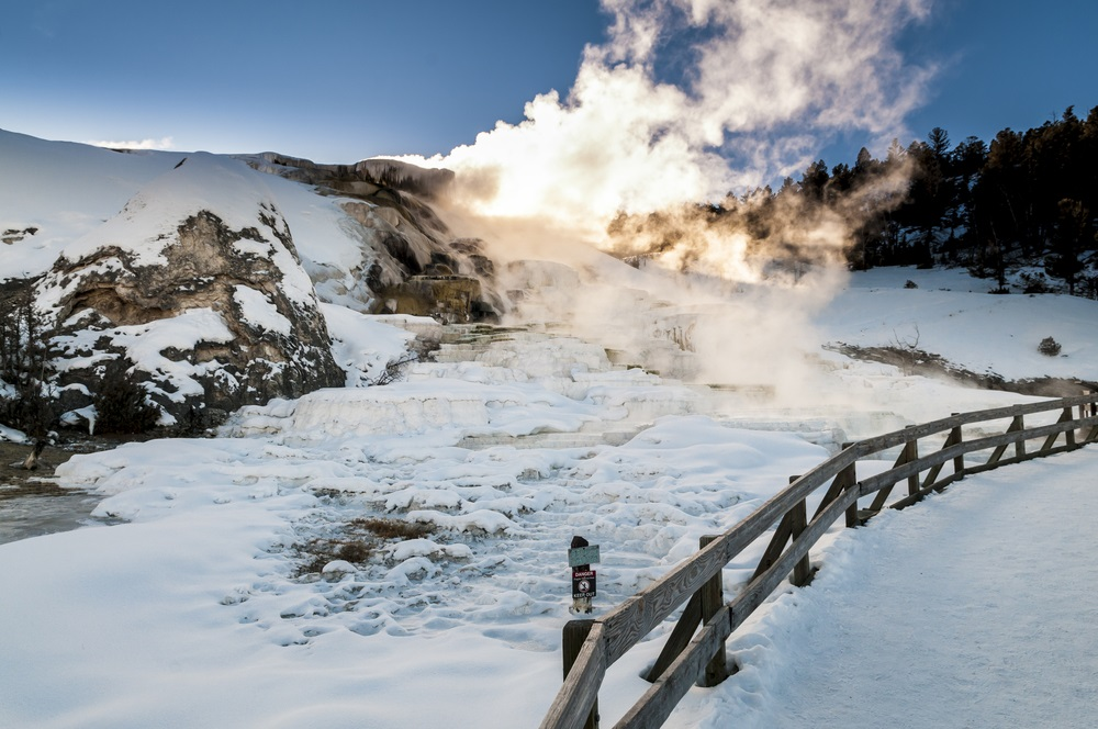 winter_hot_springs_yellowstone