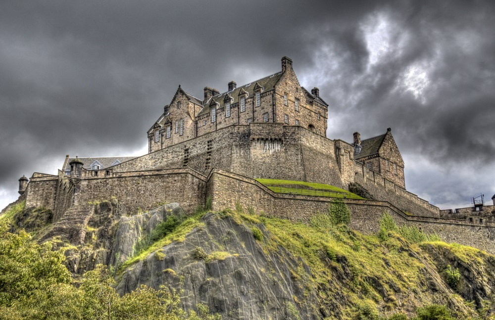 edinburgh_castle_scotland_europe