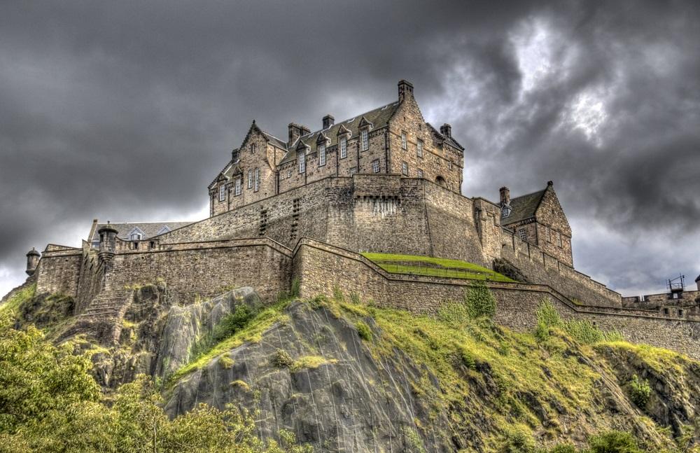 edinburgh_castle_scotland_europe