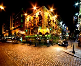 Night view of Temple Bar Street