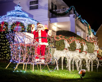 Christmas Lights Tour in Brooklyn's Dyker Heights